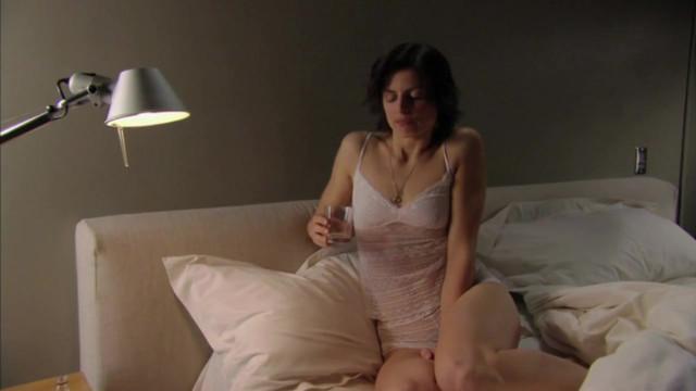 Anne-Marie Egre sexy - La cloison (2008)