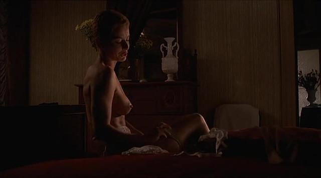 Monica Guerritore nude, Gilla Novak nude - Fotografando Patrizia (1984)
