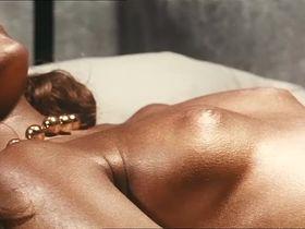 Carole Andre nude - Le lys de mer (1969)