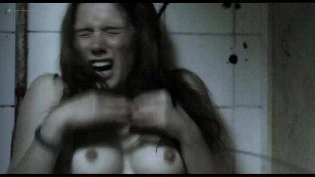 Charlotte Vega sexy, Diana Gomez nude, Barbara Mestanza nude - Los Inocentes (2013)