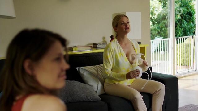 Mira Bartuschek nude - Zur Holle mit den anderen (2016)