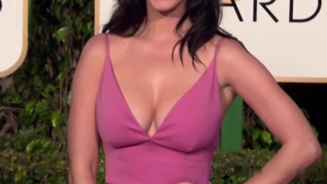 Katy Perry sexy - Golden Globe Awards (2016)