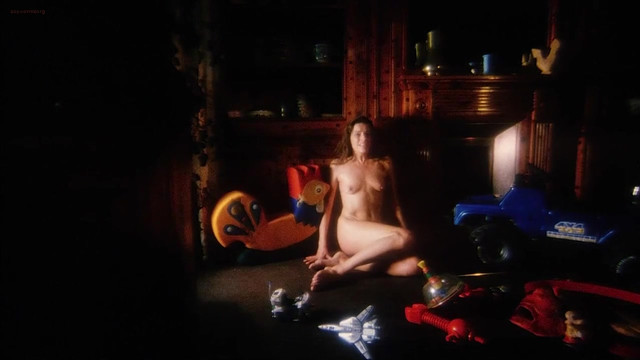 Bettina Giovannini nude - Voices from Beyond (1991)