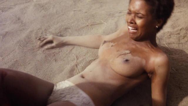 Jeannie Bell nude, Lola Falana тude - Klansman (1974)