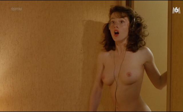 Agnes Blanchot nude - La Petite Amie (1988)