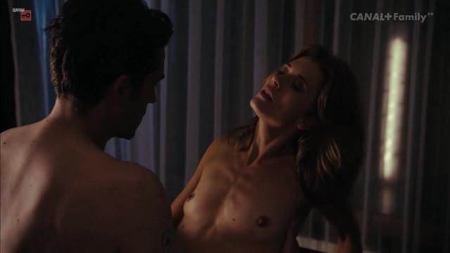 Joanna Sydor nude - Milosc (2012)