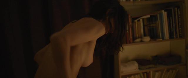 Nolwenn Daste nude - Ailleurs exactement (2014)