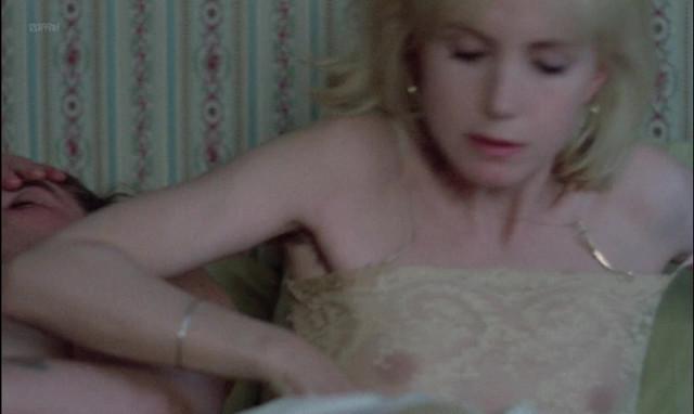 Bulle Ogier nude - Maitresse (1975)