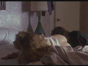 Jennifer Jason Leigh nude - Rush (1991)