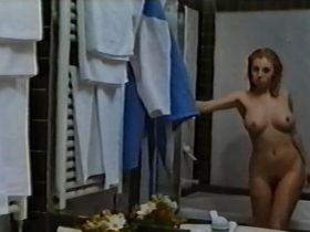 Sara Cosmi nude - Delitti a Luce Rossa (1996)