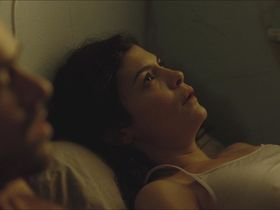 Audrey Tautou sexy - Chinese Puzzle (2013)