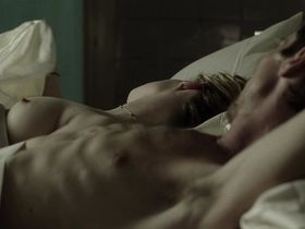 Jennifer Jason Leigh nude - The Machinist (2004)