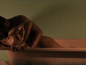 Manie Malone nude - Viva Riva! (2010)
