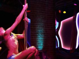 Katie Cassidy nude, Monet Mazur sexy - Live! (2007)