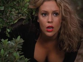 Alyssa Milano sexy - Charmed s03e01-06 (2000)