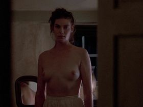 Kelly McGillis nude - Witness (1985)