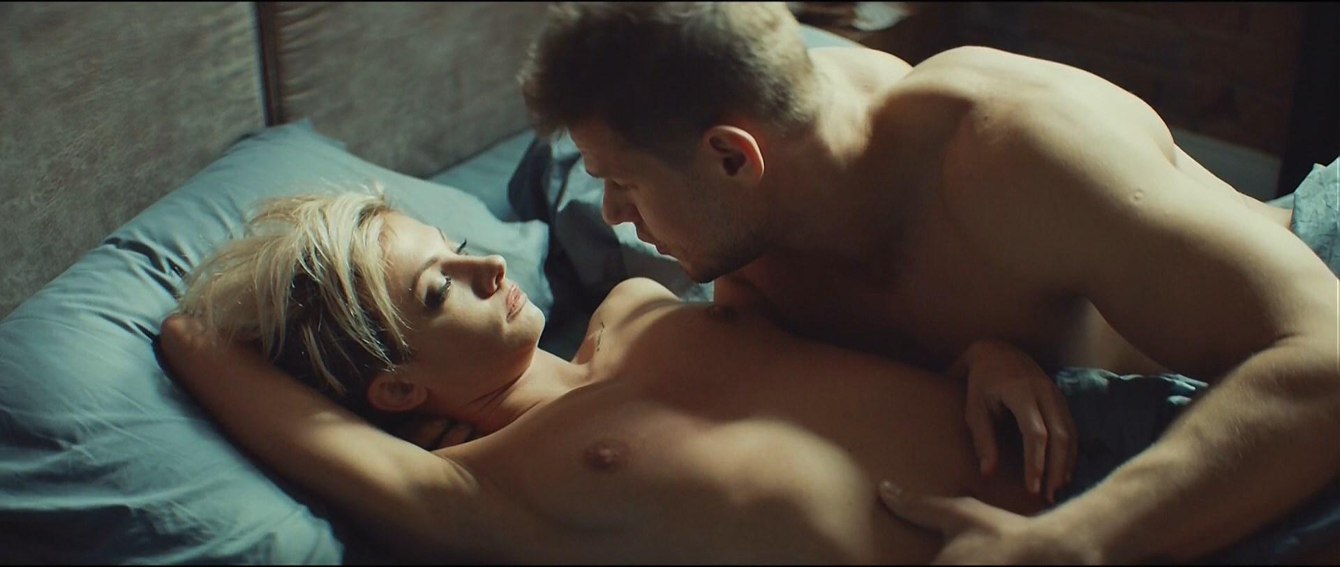 Polina Maksimova nude - Without Me (2018)