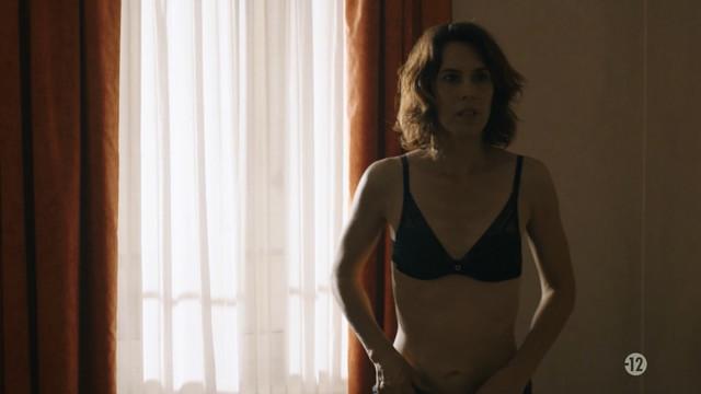 Olivia Bonamy nude - Aux animaux la guerre s01e04 (2018)