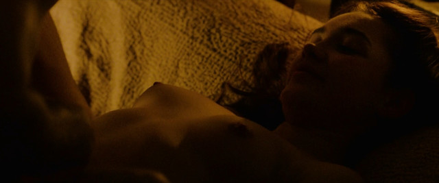 Florence Pugh nude - Outlaw King (2018)