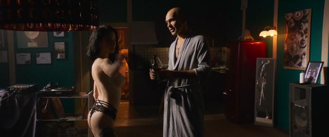 Darya Charusha sexy - Gazgolder Klubare (2018)