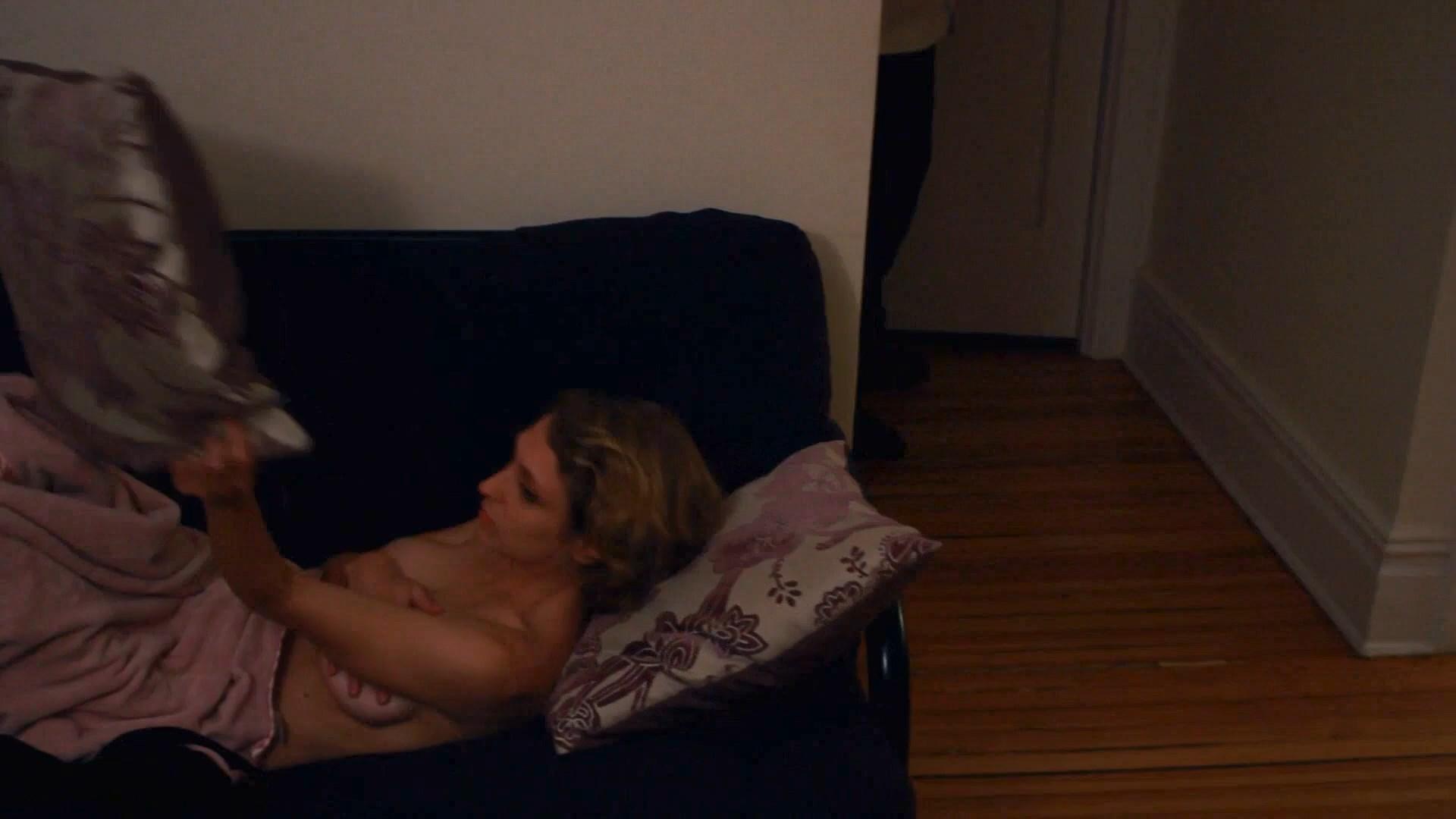 Julia Volonts  nackt