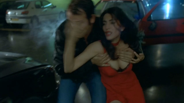 Caterina Murino sexy - L'amour aux trousses (2005)