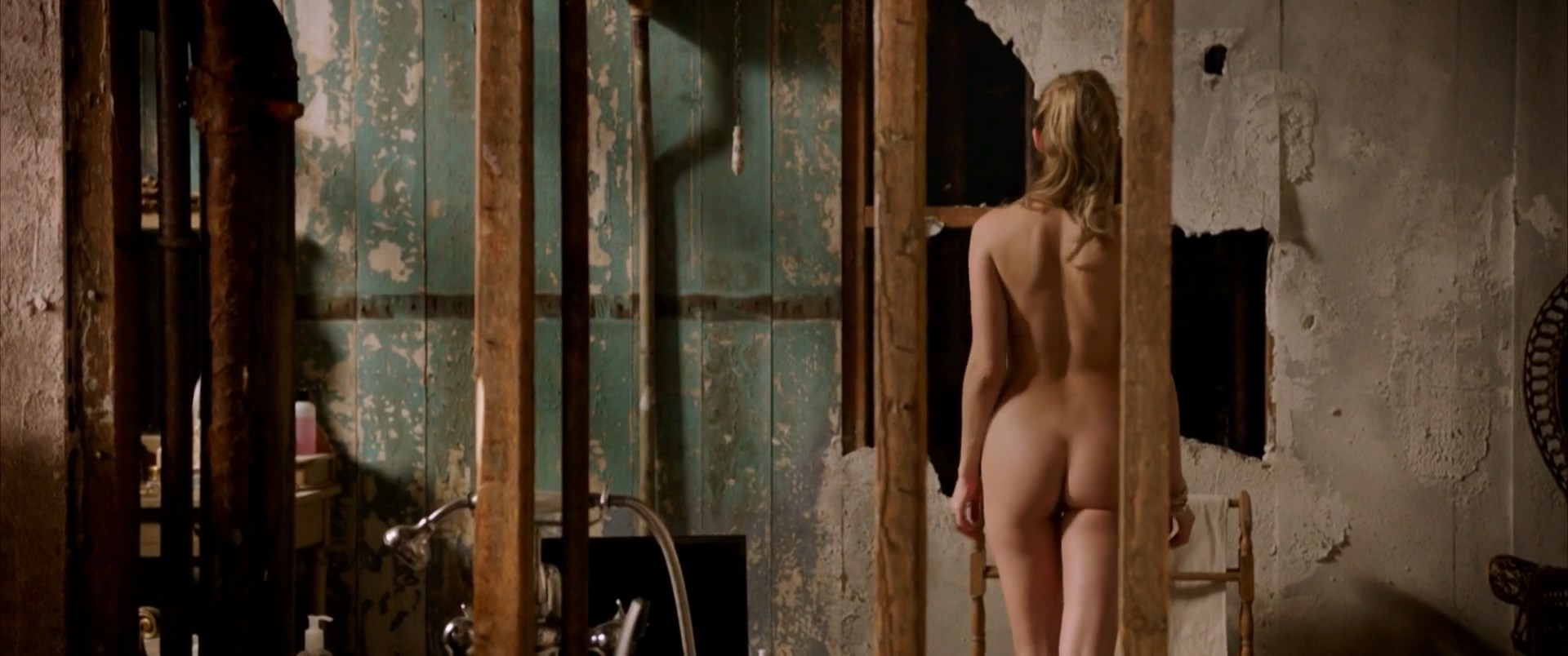 Amber Heard nude - London Fields (2018)