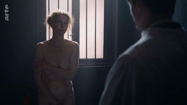 Esther Schweins nude - Sie hatten keine Wahl The Victory of Women (2018)