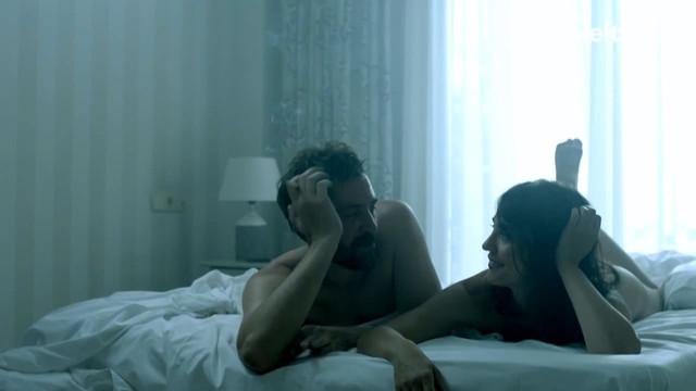 Veronika Moral nude - La victima nnmero 8 s01e02 (2018)
