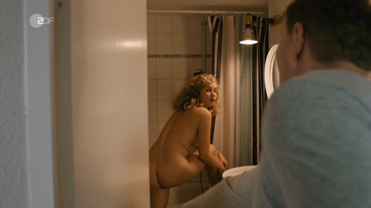 Cornelia Groschel nude - Schwartz & Schwartz Mein erster Mord (2018)