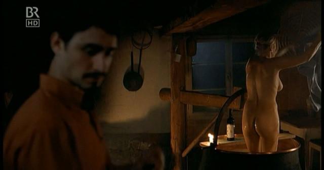 Anna Loos nude - Nur ein Sommer (2007)
