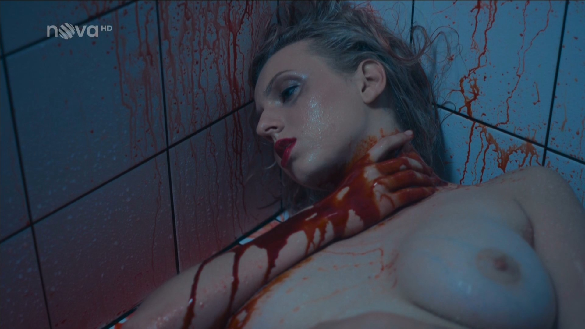 Rebeka Lizlerova nude - Dama a Kral s03e05 (2018)