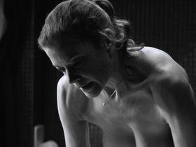 Marie Baumer nude - 3 Tage in Quiberon (2018)