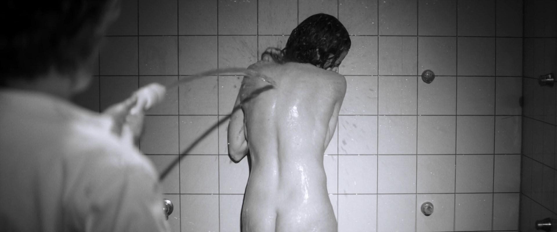 marie baumer nude