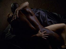 Deirdre Lovejoy sexy - The Wire s03e12 (2005)