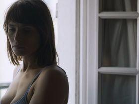 Gemma Arterton sexy - The Escape (2017)