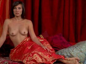 Julie De Bona nude - Gerald K Gerald (2011)