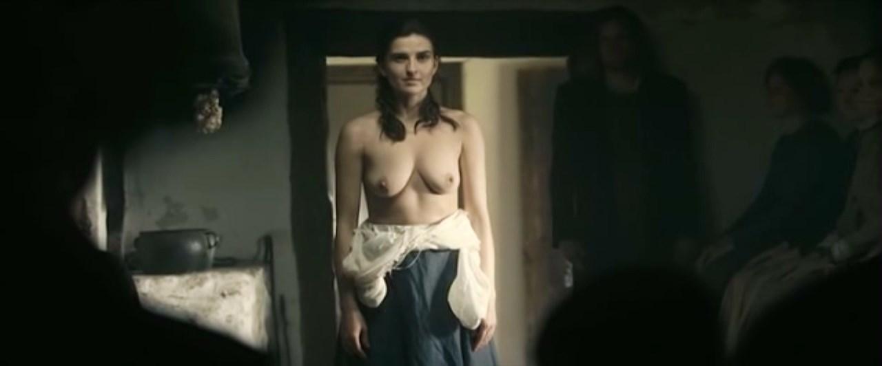 Magdalena Czerwinska nude - Daas (2011)