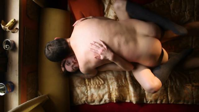 Iva Mihalic nude - Zimica (2011)