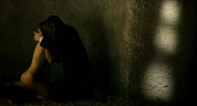 Natalie Portman nude - Goya's Ghosts (2006)