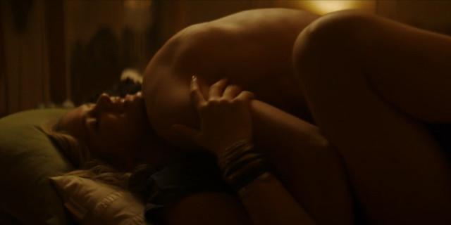 Elizabeth Lail sexy - You s01e01 (2018)