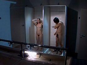 Julia Schwarz nude - Das Flustern des Mondes (2006)