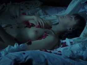 Grazyna Dlugolecka nude - Dzieje grzechu (1975)