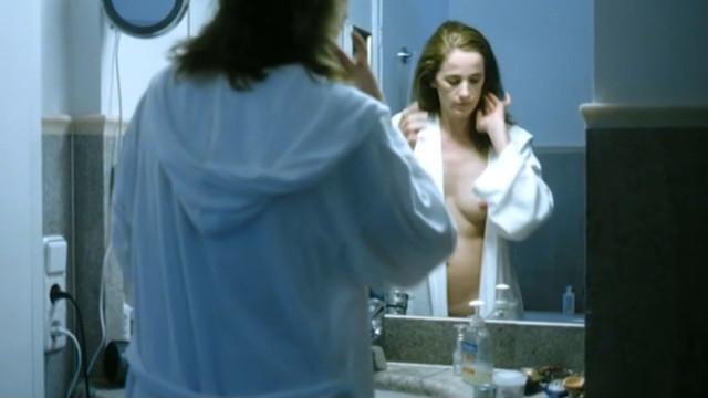 Cristin Konig nude - Halbe Stunden (2007)