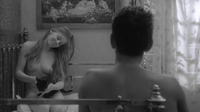Eva Ras nude - Ljubavni slucaj ili tragedija sluzbenice P.T.T. (1967)