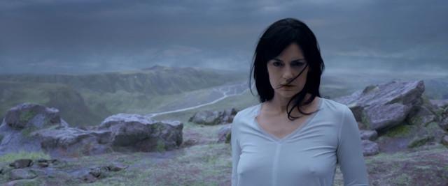 Maria Ruiz sexy - Echo (2017)