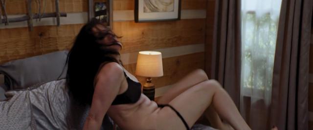 Jodi Lyn O'Keefe nude - Edge of Fear (2018)