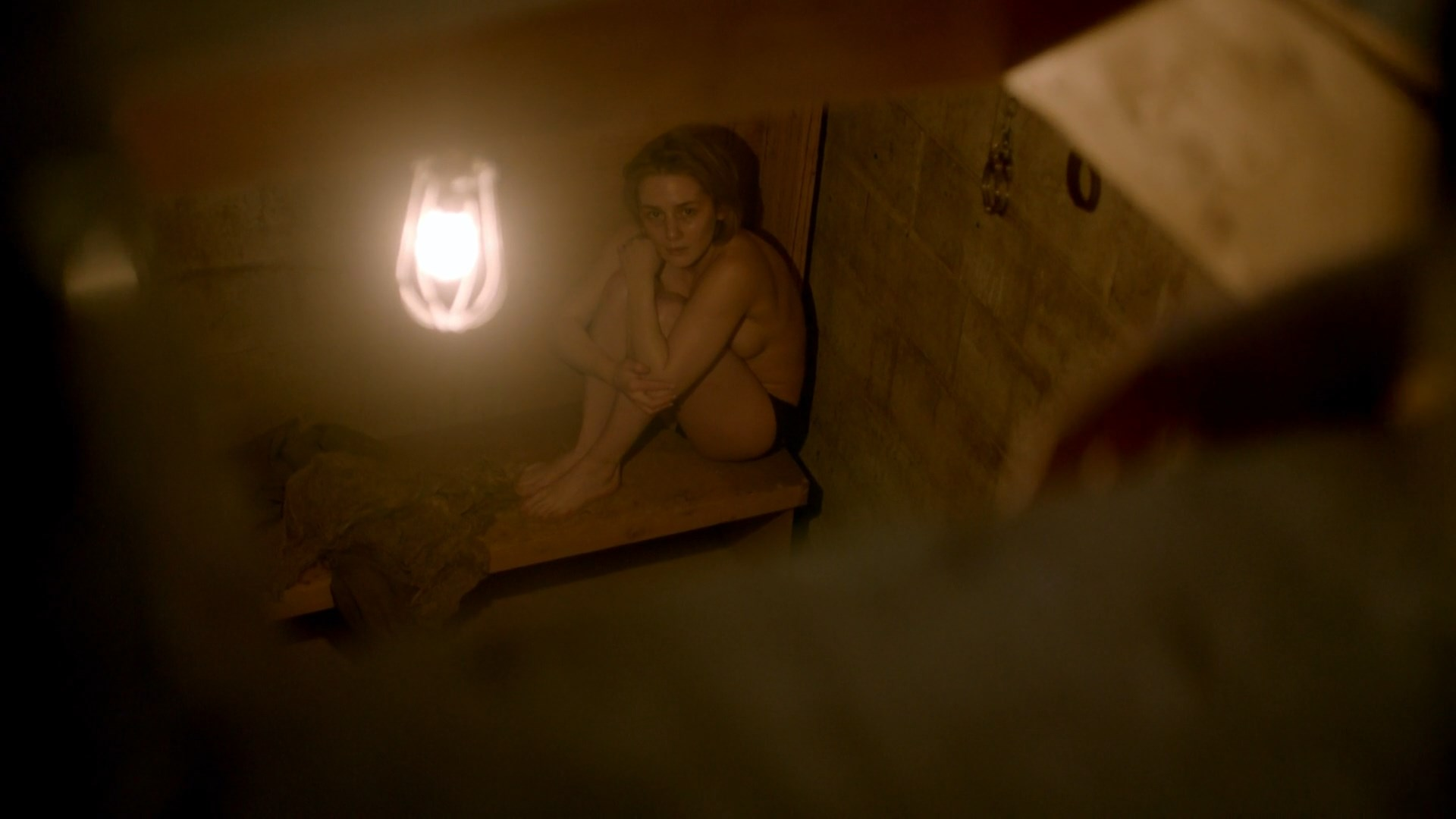 Addison Timlin sexy - The Girl in the Box (2016)