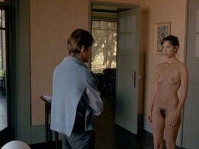 Mathilda May nude - Toutes peines confondues (1992)