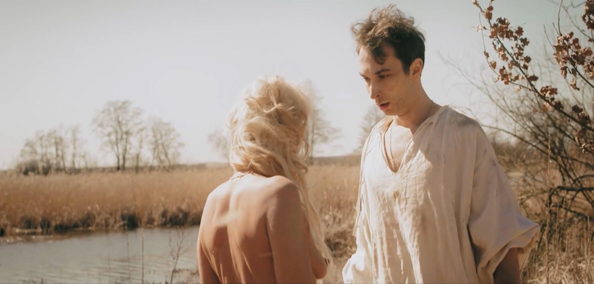 Izabella Podobinska nude - Erotyk (2018)